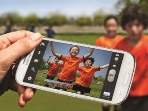 Поставки смартфонов Samsung оказались вдвое больше, чем Apple