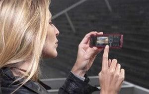 Стильный телефон в подарок для девушки